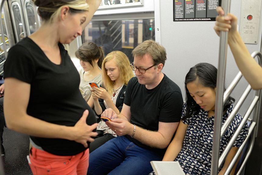 pregnant-subway